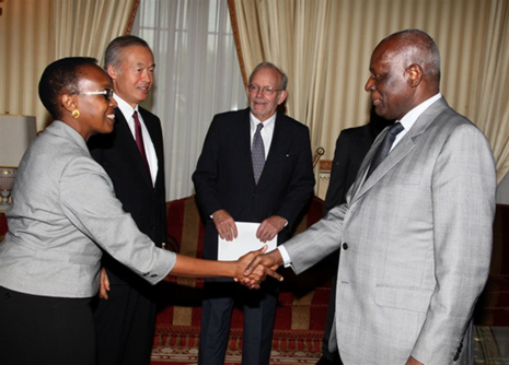 0013 Angola Head of State greeting WHO Assistant RD for Africa Immunization campaign.jpg