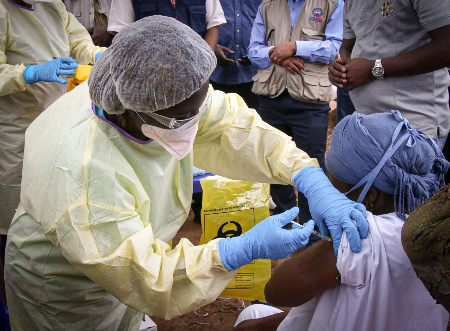 Ebola vaccination starts in Guinea to curb new outbreak