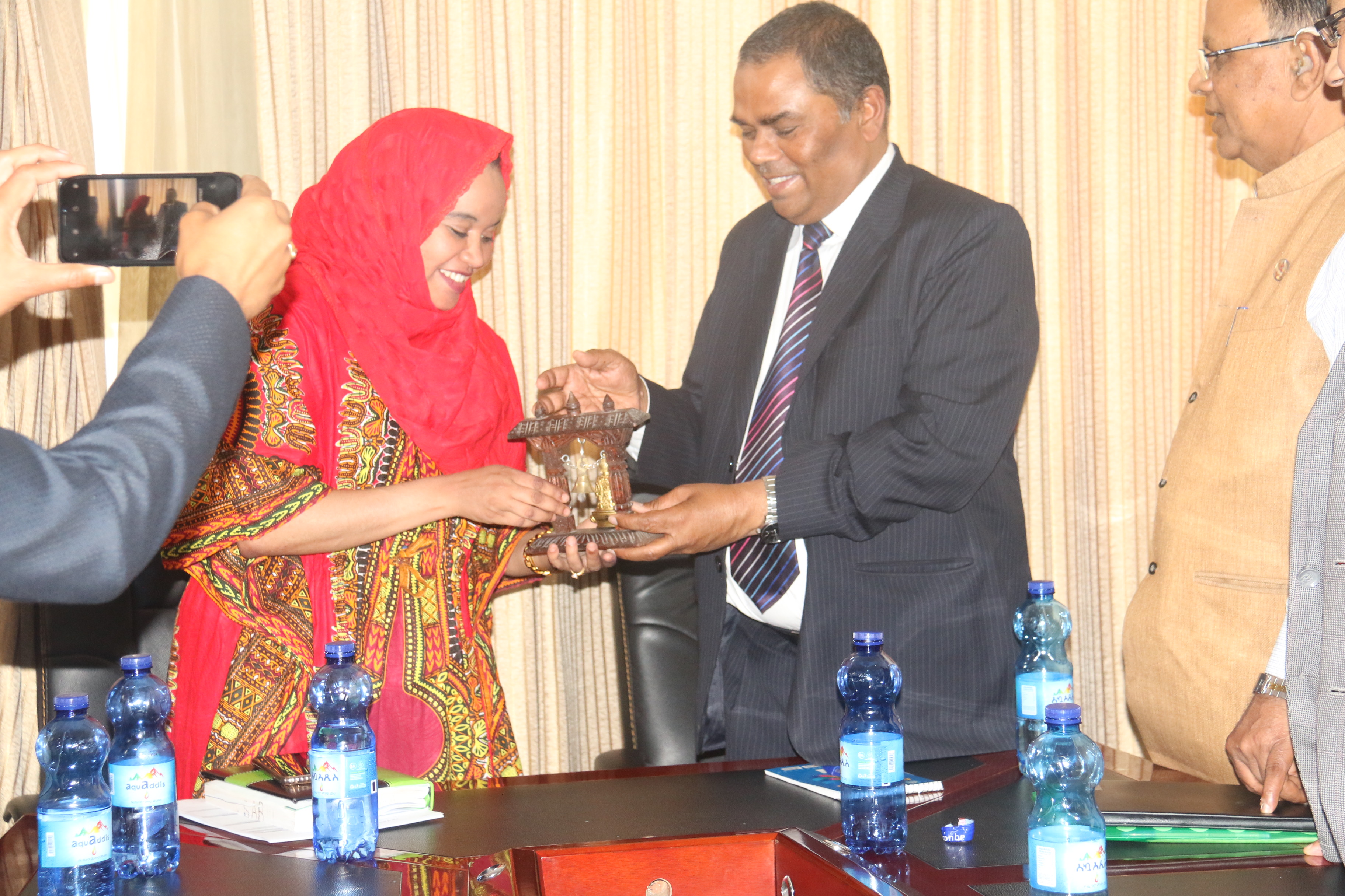 L to R:H.E. Dr Seharla Abdulahi, State Minister of Health-Operation and H.E. Mr Upendra Yadav, Deputy Prime Minister and Minister of Health and Population of Nepal