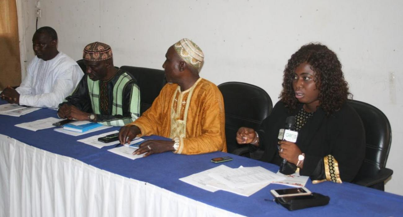 Tobacco advocates at the high table