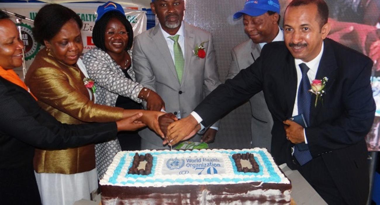 Cutting of the WHO 70th Anniversary cake