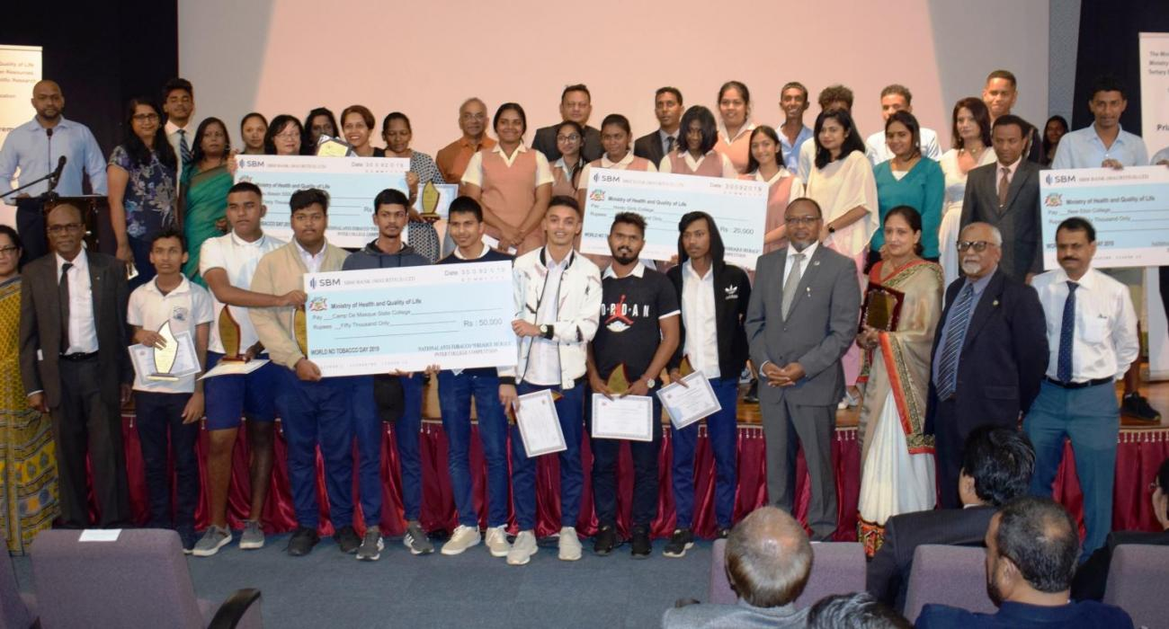 The winners of the National Anti-Tobacco 'Fresque Murale' Inter-College Competition 2019