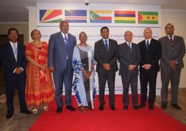 Group photo WHO RD for Africa Dr Matshidiso Moeti with President of the Republic of Seychelles Danny Faure at the opening (centre)