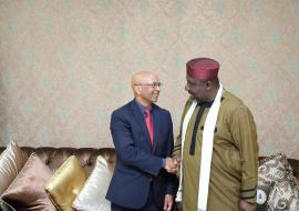 Governor Okorocha (right) receiving Dr Alemu (left) to Imo Government House