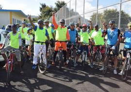 Dr Laurent Musango, WHO Representative in Mauritius, Hon. Mr Stephan Toussaint, Minister of Youth and Sports and Lord Mayor of Port Louis, Mr Daniel Laurent ready to start the cycling trip in view of promoting health and road safety as well as environment protection