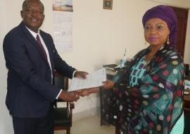 Mr Evans Liyosi, new WHO Representative in Sierra Leone presenting his credentials to Hon Nimatulai Bah Chang, Acting Minister of Foreign Affairs and International Cooperation