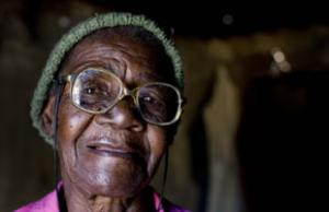 woman-zimbabwe-helpage