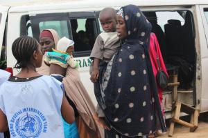WHO Special Intervention team assessing children on transit for vaccination at Pompamari along Maiduguri-Damaturu road. Photo WHOCE.Onuekwe