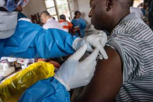 WHO and the Africa Centres for Disease Control and Prevention call on countries in the region to work together on the Ebola response