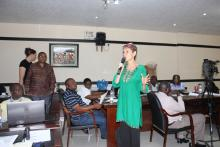 Paula Gomez from WHO facilitating a session during the training