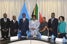 Dr Owen Kaluwa, the new World Health Organization (WHO) Representative in South Africa and the Deputy Minister of International Relations and Cooperation, Ms Candith Mashego-Dlamini, flanked by their delegation